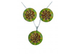 Set of earrings with a necklace