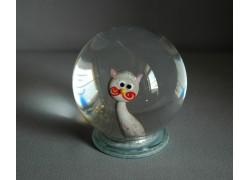 Snow globe and cat in gray-pink www.sklenenevyrobky.cz
