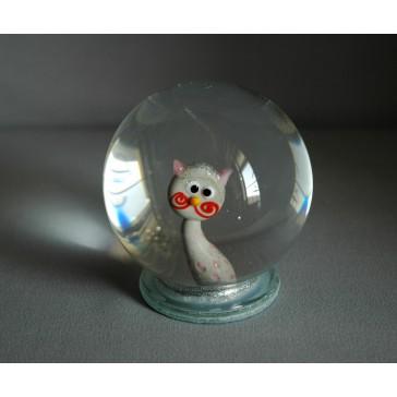 Sněžící gule a mačka v šedo-ružovej farbe www.sklenenevyrobky.cz