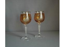 Wine glass, 2 pcs, decor swan, in yellow www.sklenenevyroky.cz