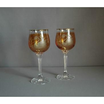 Poháre na víno, 2 ks, dekor Labuť, v žltej www.sklenenevyrobky.cz