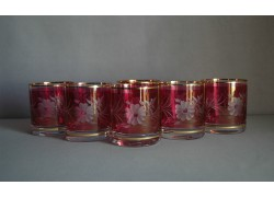 Glasses of whiskey, with flower decor, in red www.sklenenevyrobky.cz