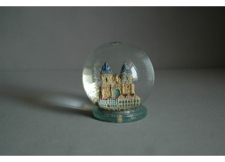 Snowballs and Tyn Temple in Prague www.sklenenevyrobky.cz