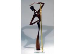 African man with javelin L1 33 cm www.sklenenevyrobky.cz