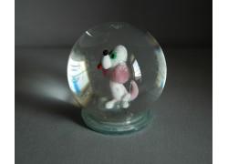 Snow globe and white dog in pink www.sklenenevyrobky.cz