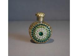 Skleněný flakon na parfém 23.