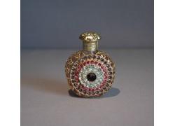 Skleněný flakon na parfém 24.