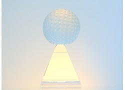 Golf ball on a pyramid www.sklenenevyrobky.cz