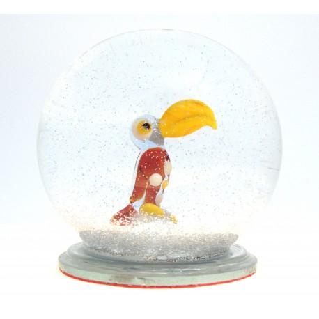 Snow globe with parrot www.sklenenevyrobky.cz