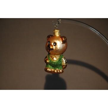 Vánoční ozdoba malý medvídek v zelených kalhotách www.sklenenevyrobky.cz