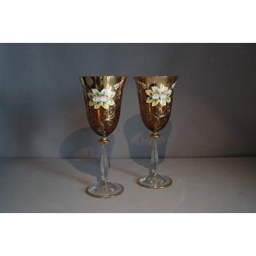 Sklenice pro víno, 2 ks, zlacené a dekorované, jantarově žluté www.sklenenevyrobky.cz