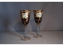 Wine glass, 2 pcs, gilded and decorated, ruby colors www.sklenenevyrobky.cz