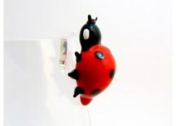 Ladybug hanging on a glass www.sklenenevyrobky.cz