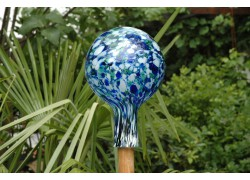 Fence ball made of blown glass 15cm www.sklenenevyrobky.cz