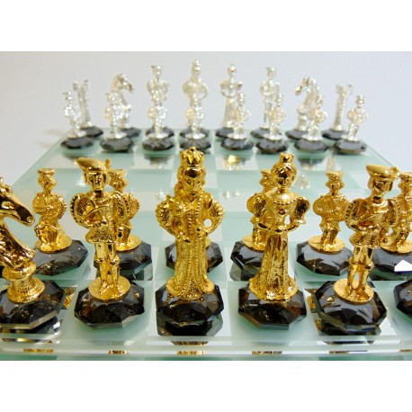 Chess with figurines in gothic England style, plated tin on crystal 25x25cm www.sklenenevyrobky.cz