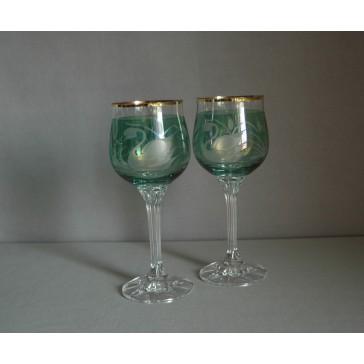 Poháre na víno, 2 ks, dekor Labuť, v zelenej www.sklenenevyrobky.cz