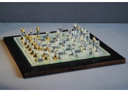 Skleněné šachy broušené 500/11 L 18x18 cm v dřevěné kazetě