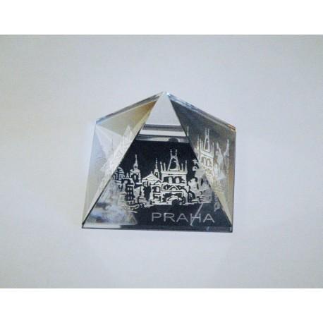 Pyramida pískovaná 35 mm crystal Praha II - mostecká věž