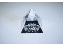 Pyramida pískovaná 40 mm crystal Praha I - hrad s mostem