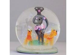 Snow globe 10cm - black woman with dogs www.sklenenevyrobky.cz