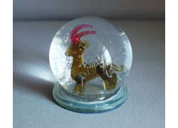 Snowing balls with Capricorn figurine www.sklenenevyrobky.cz