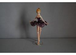 Figurka tanečnice-baleríny ve fialových šatech