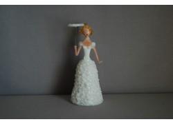 Ladies figurine with parasol in white dress www.sklenenevyrobky.cz