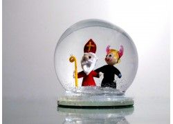 Snow globe 8cm - Nicholas with the devil www.sklenenevyrobky.cz