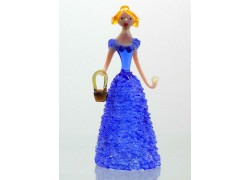 Figúrka Dáma s košíkom, v modrých šatách