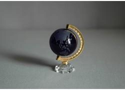 Glass globe in dark blue www.sklenenevyrobky.cz