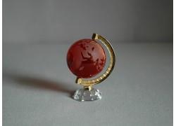 Glass globe in ruby www.sklenenevyrobky.cz