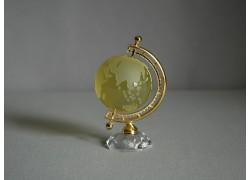 Globe in yellow from glass www.sklenenevyrobky.cz