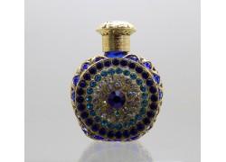 Skleněný flakon na parfém 3.