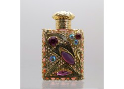 Skleněný flakon na parfém 7.