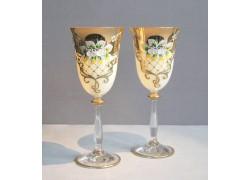 Sklenice na víno, 2 ks, zlacené a dekorované, bílé