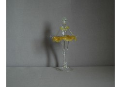 Figúrka tanečnice-balerínky v žltých šatách, číre sklo