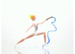 Gymnastka se stuhou 9,5x5x12 cm