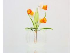 Květina Narcis v baňce 9x6 cm www.sklenenevyrobky.cz
