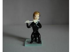 Figurine, musician playing flute www.sklenenevyrobky.cz