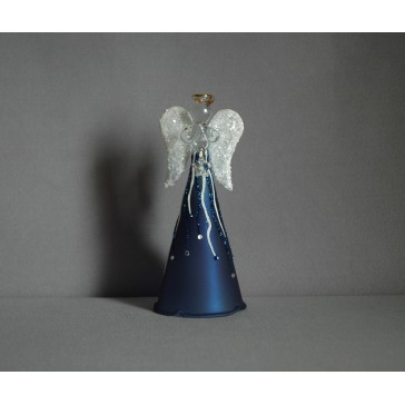 Sklenený anjel modrý, biele krídla www.sklenenevyrobky.cz