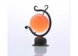 Globus 80mm v kovářském stojanu z čirého skla v růžové