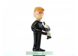 Figurine - musician playing clarinet www.sklenenevyrobky.cz