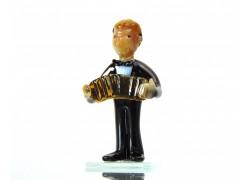Figurine - musician playing accordion www.sklenenevyrobky.cz