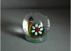 Snow globe with snail www.sklenenevyrobky.cz